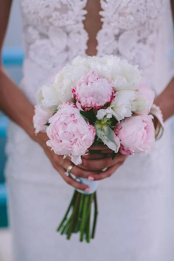 bridal-bouquet-with-peonies
